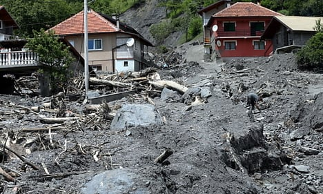 Army sends convoy to help Bosnia flood victims