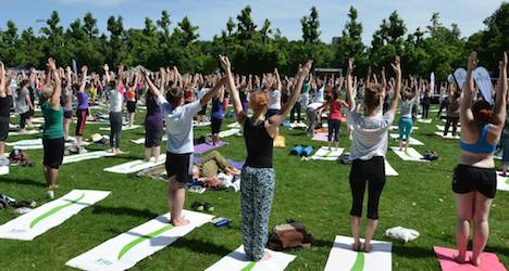 5,000 people turn out for yoga convention