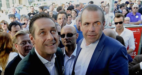 Strache seeks distance from NF anti-semitism