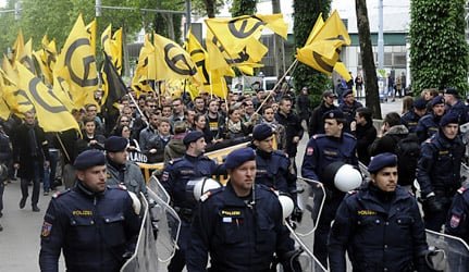 Over 800 police deployed for right-wing march