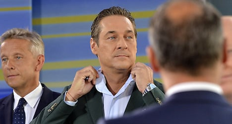 Strache calls to expel folk who won't integrate