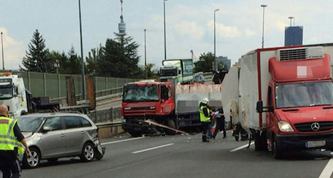 13 injured in highway pile-up on A22 in Vienna