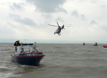 Search continues for missing teen sailor