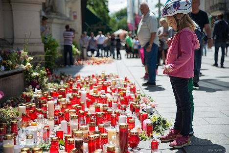 Strache under fire for exploiting tragedy