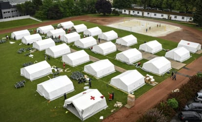 'Tent city' for refugees in Traiskirchen centre