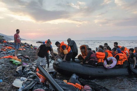 Jewish group urges limit to refugee influx