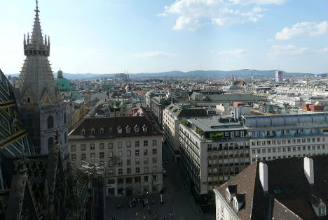Vienna plummets in income ranking