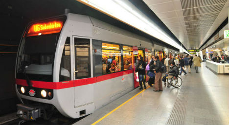 Woman writes love letter to Vienna public transport