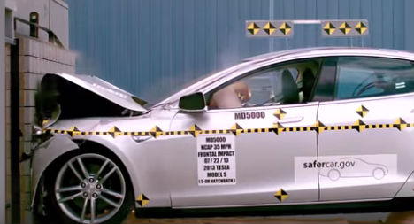 Austrian injured after trying out car crash test machine