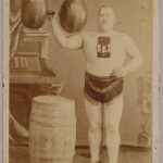 One entertainer showcases his muscles and superior strength.Photo: Wien Museum