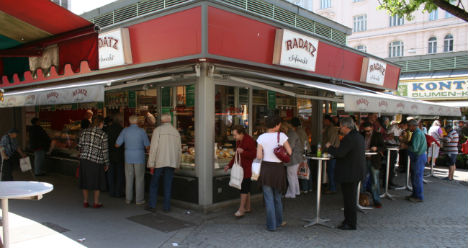 Snack security hired in Vienna after thefts