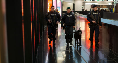 'Only 3 bombs' in bag joke sparks Vienna airport alarm