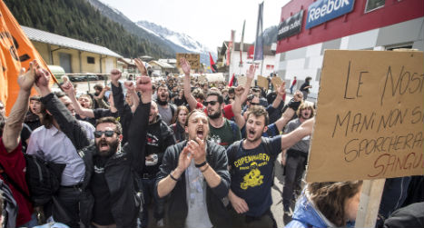 Police to deploy 300 officers at Austrian border protest