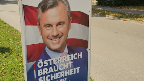 Strache tries to woo Austrian Serbs to vote for Hofer