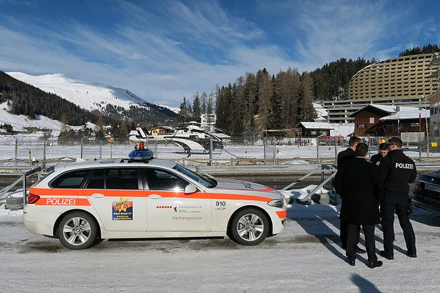 Man charged 34,000 Euros for driving without a license in Zurich