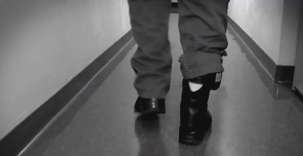 Austria considers ankle tags for jihadists returning from Syria