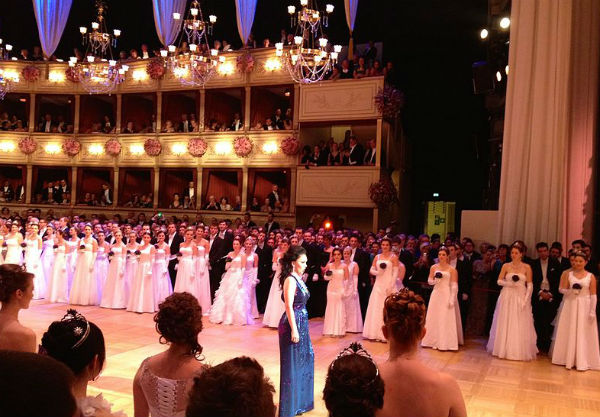 Vienna State Opera opens its doors for the 'ball of balls'