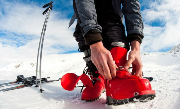 Ski-booted man causes 'serious injury' with groin kick