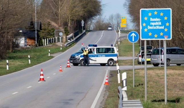 Germany and Austria draw up plan to reopen border