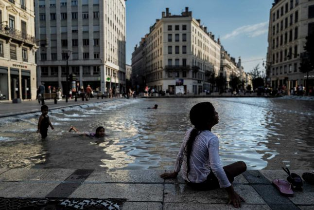 Health warnings as Europe swelters under heatwave