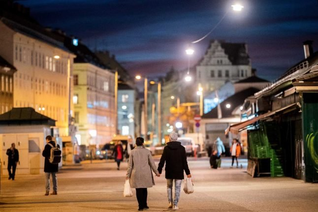 Can I have a casual relationship under Austria's new coronavirus measures?