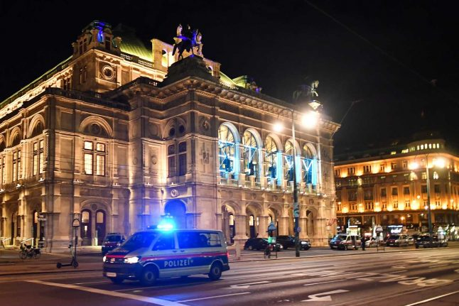 UPDATE: Vienna attack carried out by Isis supporter who 'fooled' Austrian authorities