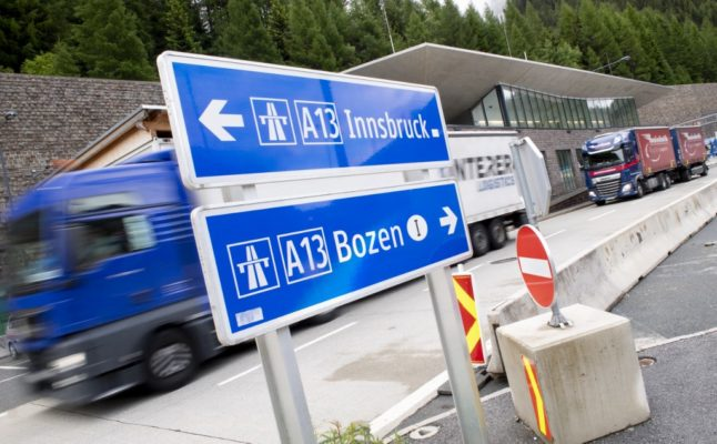 Covid-19: New Austrian border rules block lorry traffic from Italy