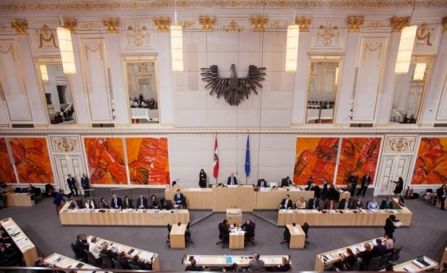 Austria to delay green passport and testing for shopping