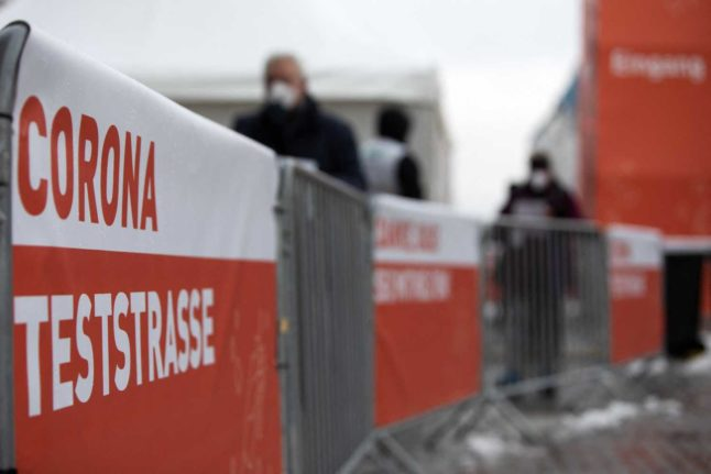 Why are infection rates in Vienna still high despite three weeks of strict lockdown?