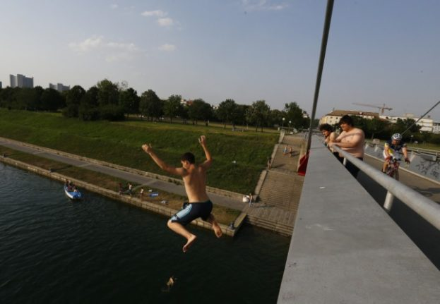 It's going to be 'swimming weather' today in Vienna. (Photo by ALEXANDER KLEIN / AFP)