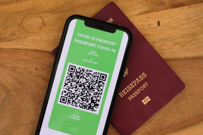 Austria's green pass now available in English