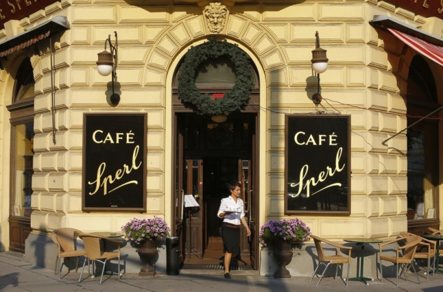 Unvaccinated people may be banned from cafes in Austria (Photo by ALEXANDER KLEIN / AFP)